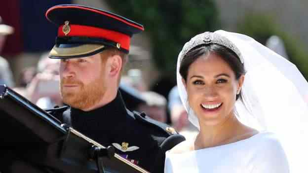 Stunning! Meghan Markle And Prince Harry Royal Wedding Carriage Procession 3