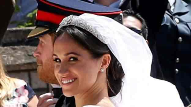 Stunning! Meghan Markle And Prince Harry Royal Wedding Carriage Procession 6
