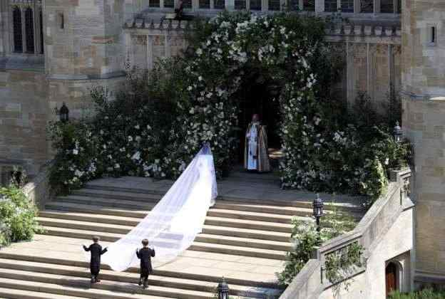 """Katy Perry Shades Meghan Markle, Says Givenchy Wedding Dress Needed """"One More Fitting"""" 5"""
