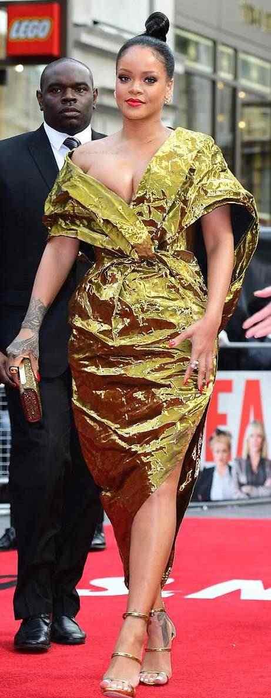 Rihanna Suffers Nip Slip As She Glows In Gold For Ocean's 8 Premiere In London 8