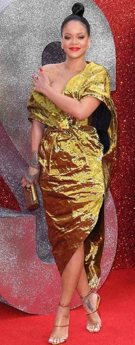 Rihanna Suffers Nip Slip As She Glows In Gold For Ocean's 8 Premiere In London 9