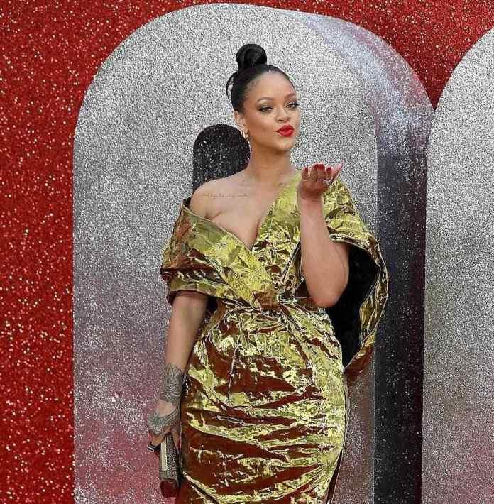 Rihanna Suffers Nip Slip As She Glows In Gold For Ocean's 8 Premiere In London 10