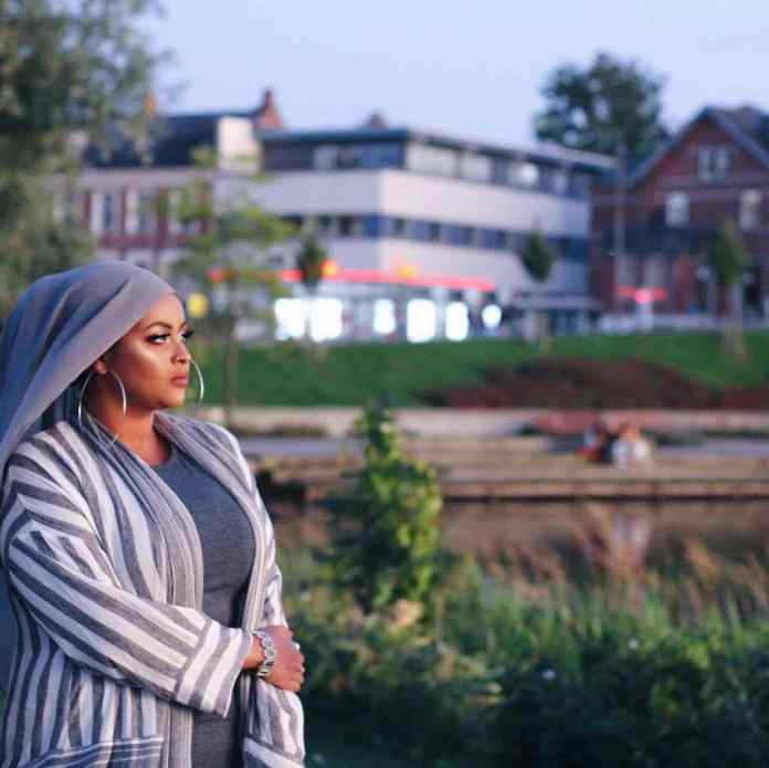 Muslimah Style: Samira M. Ahmed Gorgeously Slay In Stylish Modest Outfits 2