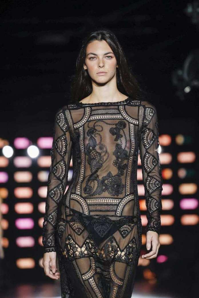 Alberta Ferretti Ready To Wear Spring/Summer 2019 At The Milan Fashion Week 15