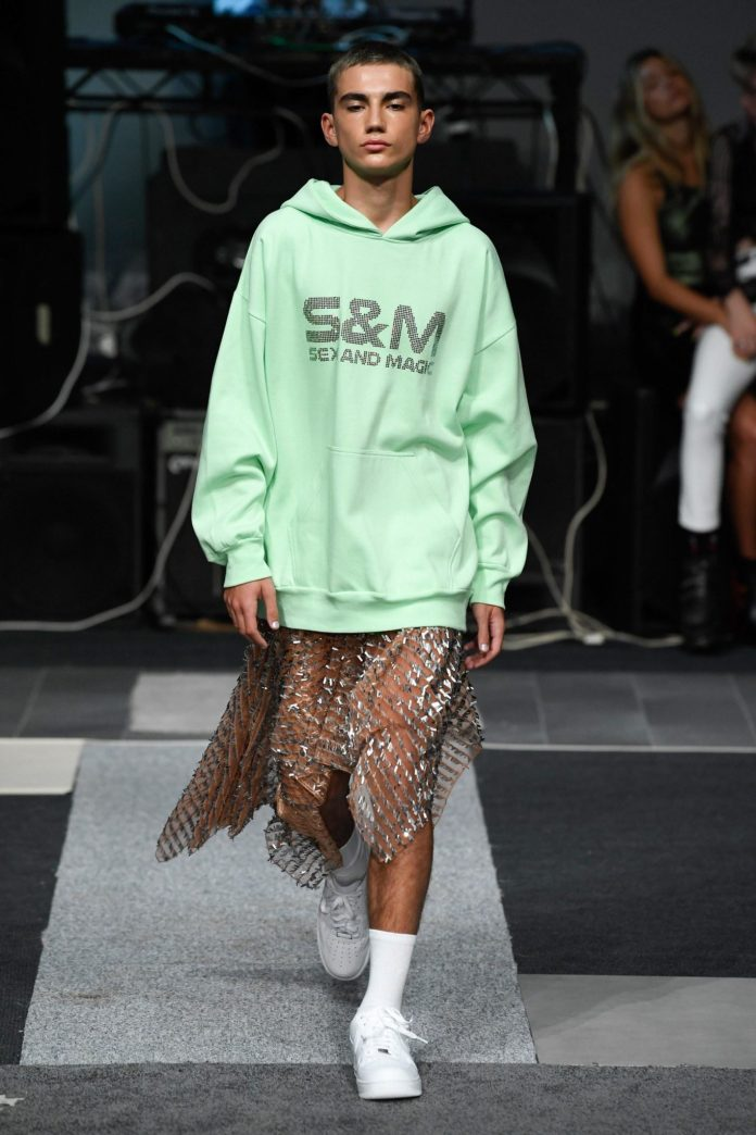 Ashish Spring 2019 Collection At The London Fashion Week 4