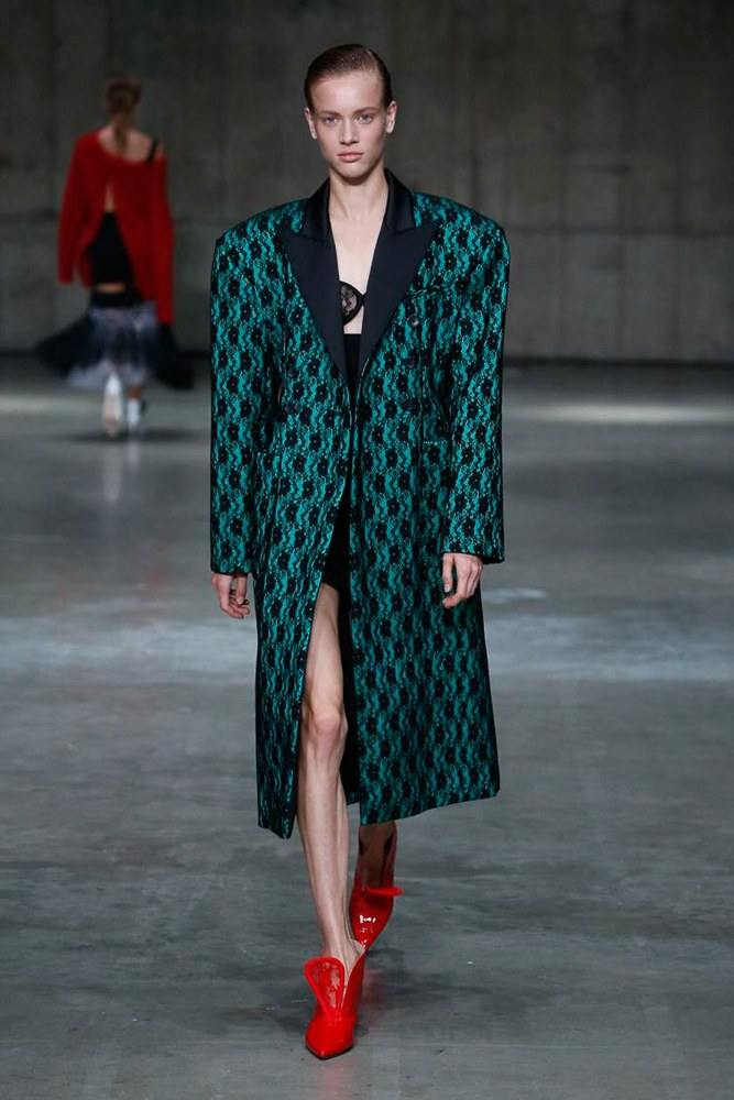 LFW: Christopher Kane Ready To Wear Spring 2019 Collection 15
