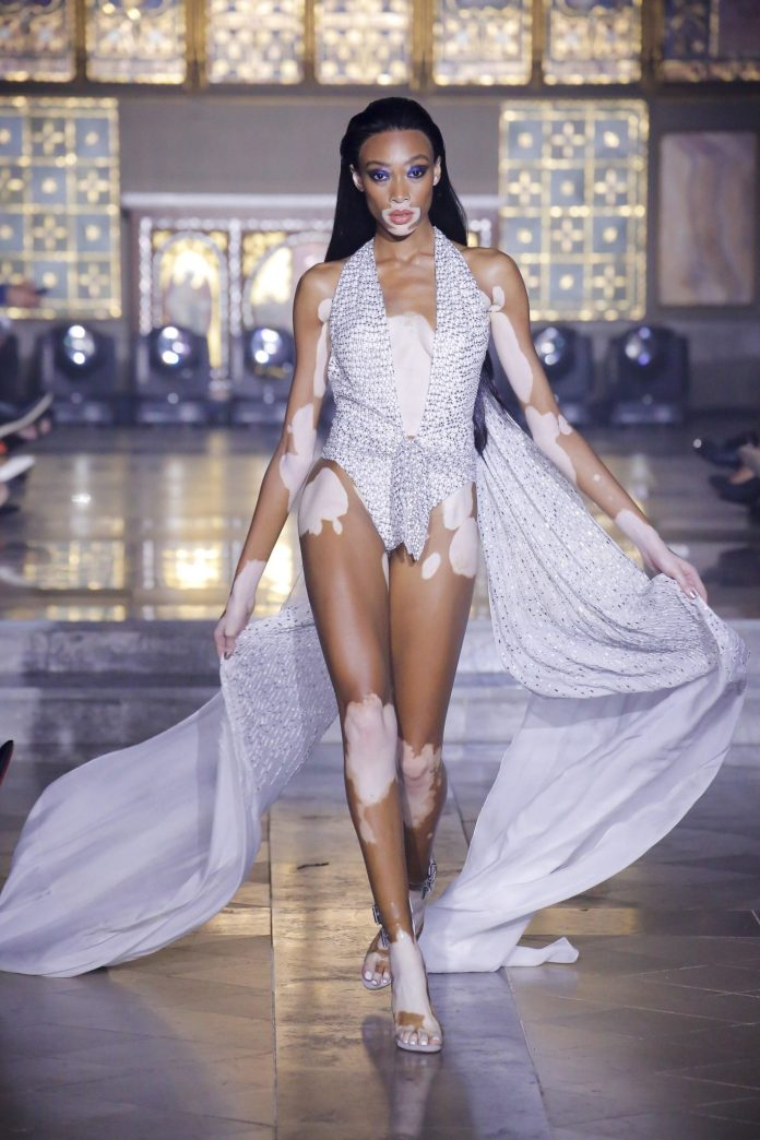 Julien Macdonald Spring 2019 Collection At London Fashion Week 41