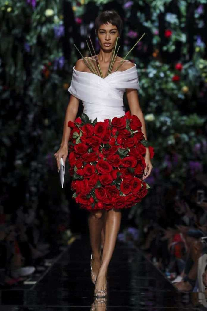 Moschino Ready To Wear Spring/Summer 2018 At The Milan Fashion Week 7
