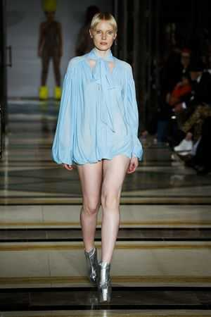 Fascinating! Pam Hogg Spring Summer 2019 Collection At LFW 9