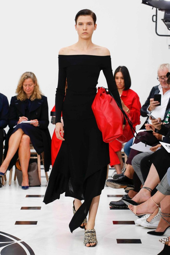 The 21st Century Woman! Victoria Beckham Spring 2019 Collection At London Fashion Week 14