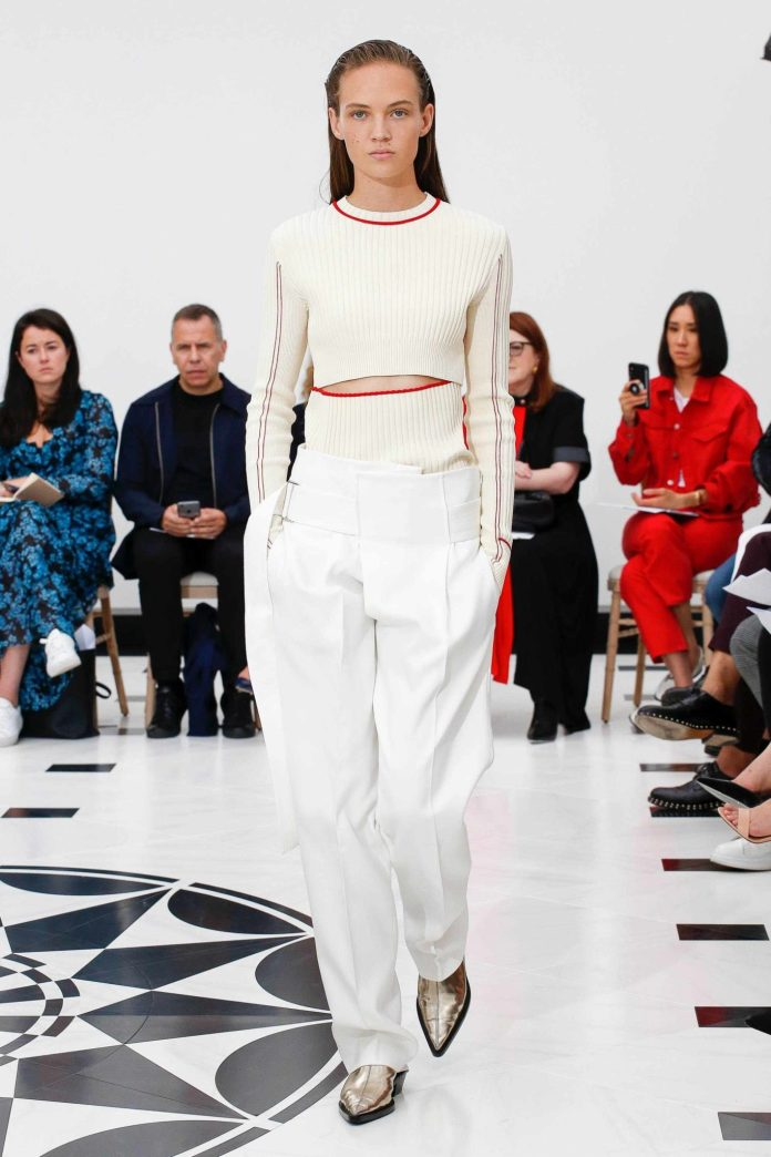 The 21st Century Woman! Victoria Beckham Spring 2019 Collection At London Fashion Week 17
