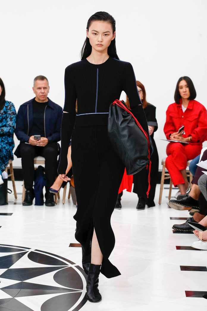 The 21st Century Woman! Victoria Beckham Spring 2019 Collection At London Fashion Week 20