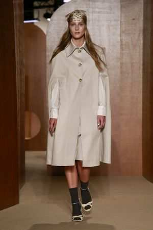 ALEXACHUNG Spring Summer 2019 Collection At LFW 3