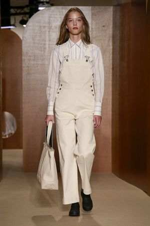 ALEXACHUNG Spring Summer 2019 Collection At LFW 4
