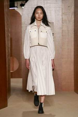 ALEXACHUNG Spring Summer 2019 Collection At LFW 9