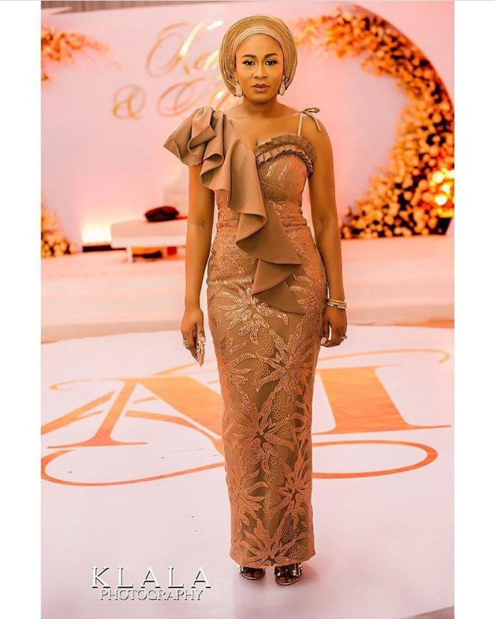 Aso Ebi Style: Gorgeous Styles That Caught Our Attention This Weekend 1