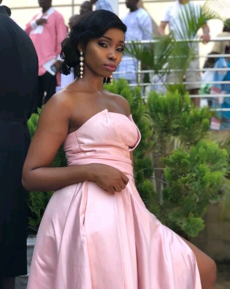 Style Stalking: Bambam Looks Gorgeous In Pink Strapless Bridesmaid's Dress 1