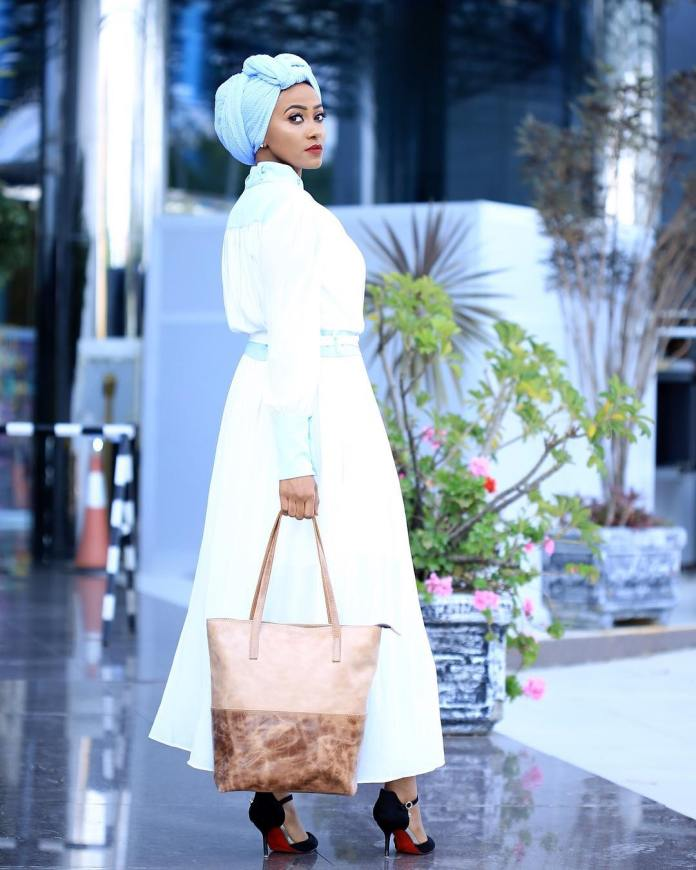 Muslimah Style: Fooziya Wows In Trendy Modest Outfits 5