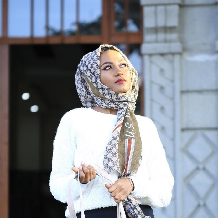 Muslimah Style: Fooziya Wows In Trendy Modest Outfits 1