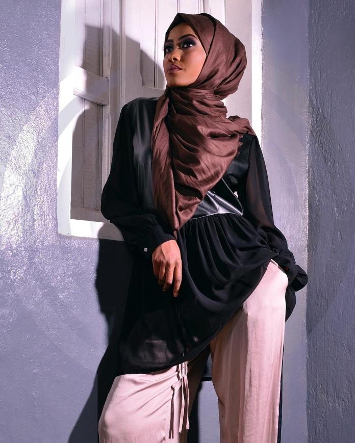Muslimah Style: Fooziya Wows In Trendy Modest Outfits 3