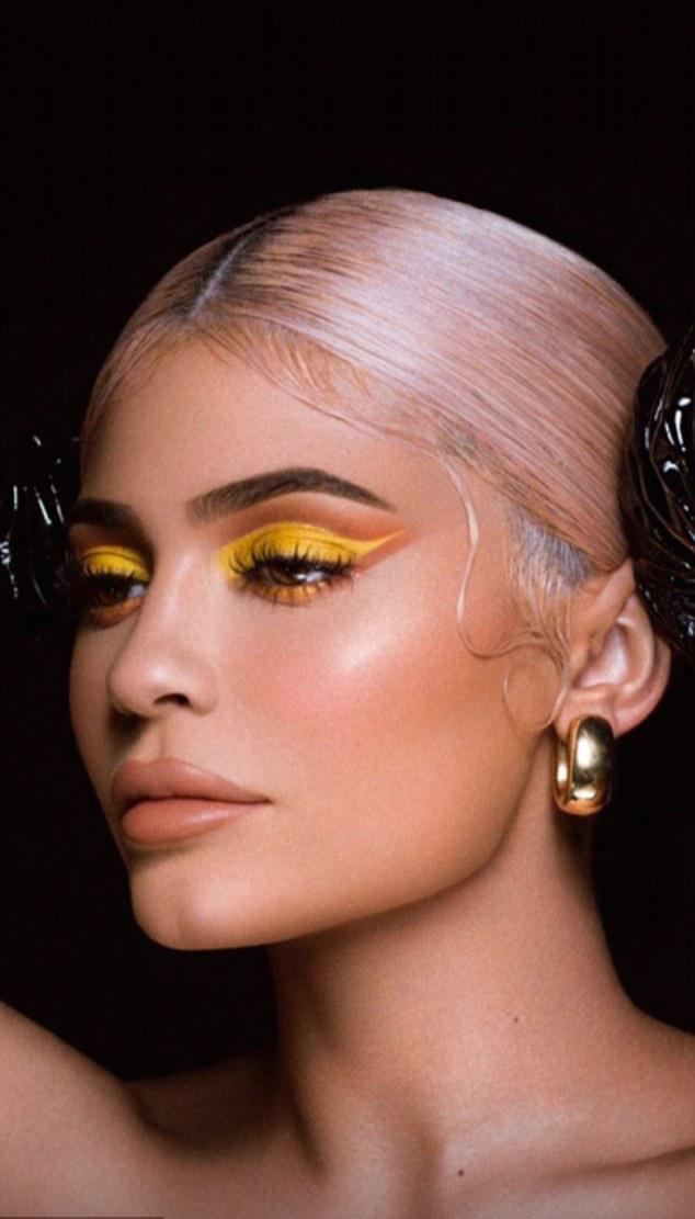 Kylie Jenner Goes Strapless In Leather For Halloween Makeup Collection 3