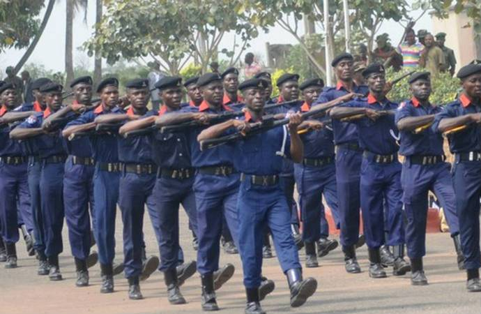 NSCDC Operatives Arrests Fake Soldier 1