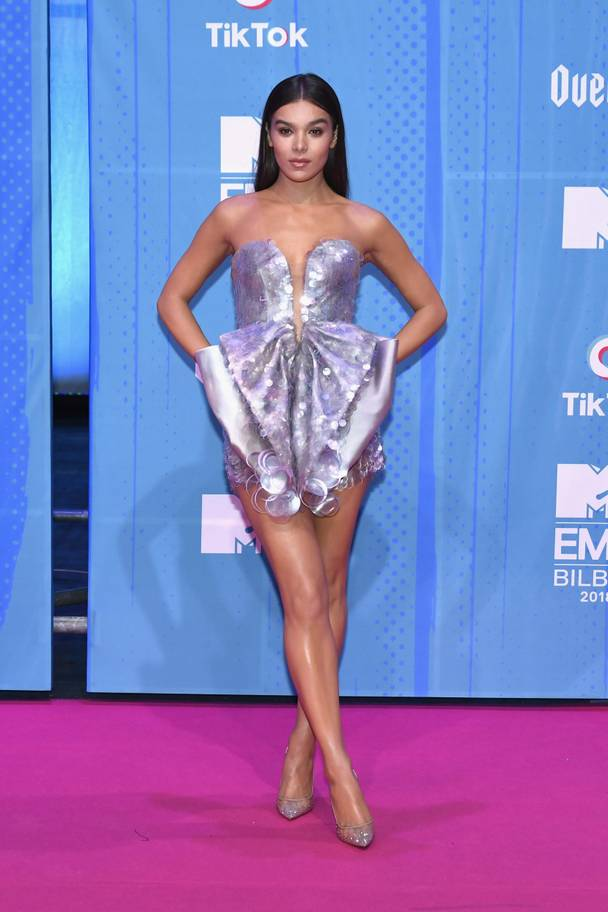 2018 MTV EMAs: The Best Dressed Celebrities On The Red Carpet 9