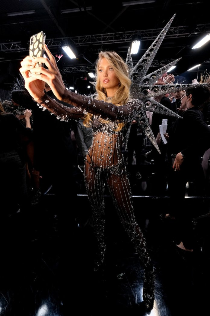 The Insider: Stunning Backstage Scenes From The Victoria's Secret Fashion Show 3