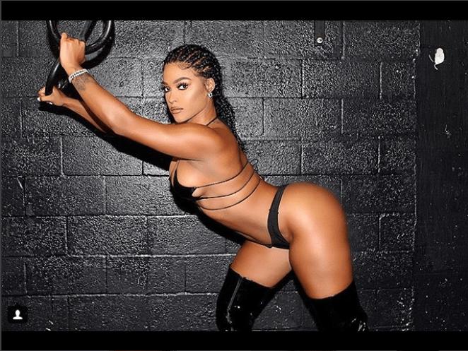 Va Va Voom! Joesline Hernandez Flashes Her Nipples And Butt In Super Hot Photos 2