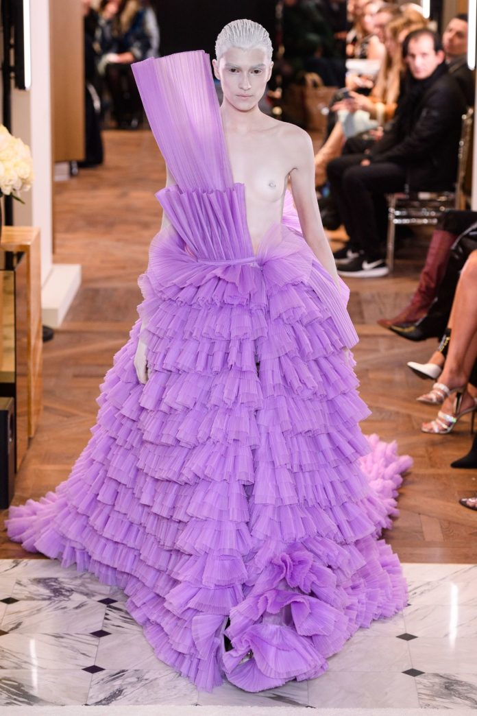 Paris Couture Fashion Week 2019: Balmain's Olivier Rousteing Redefines Couture With Invigorating Show 11