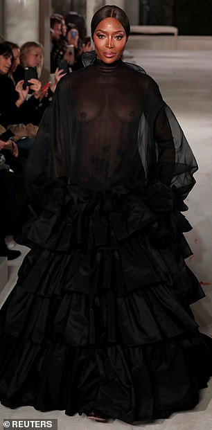 Hawt! Naomi Campbell Goes Braless, Flashes Nipples At The Valentino PFW Show 6