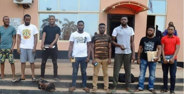 #NaijaScams: EFCC Nabs 8 Notorious Yahoo Boys In Ibadan 1