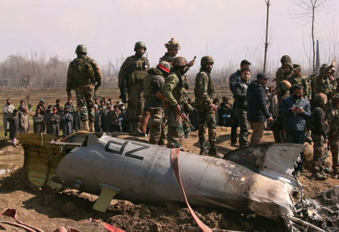 Kashmir:Pakistan Shoots Down Two Indian Warplanes And Captures Two Pilots 5