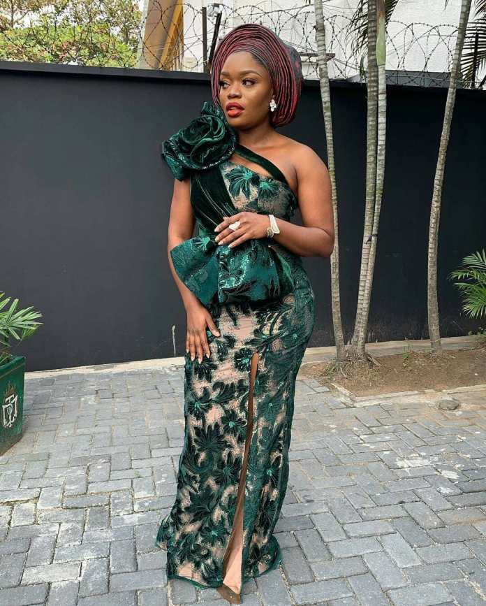 Aso-Ebi Styles: 5 Nigerian Female Celebrities Who Slayed With Their Outfit At Richard Nnaji's Wedding 4