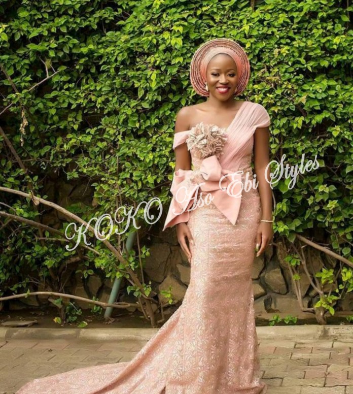 Ten Hot And Vibrant Aso Ebi Styles You Definitely Need To See! 10