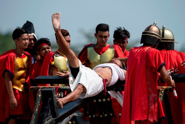 Jesus Wept! Good Friday Tradition Sees Screaming Christians Nailed To Crucifixes 6