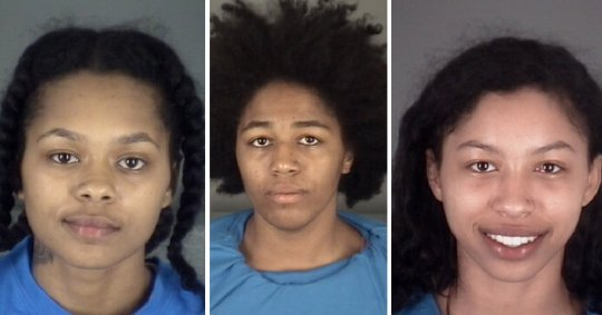Three Naked Women Lead Police On Car Chase 1