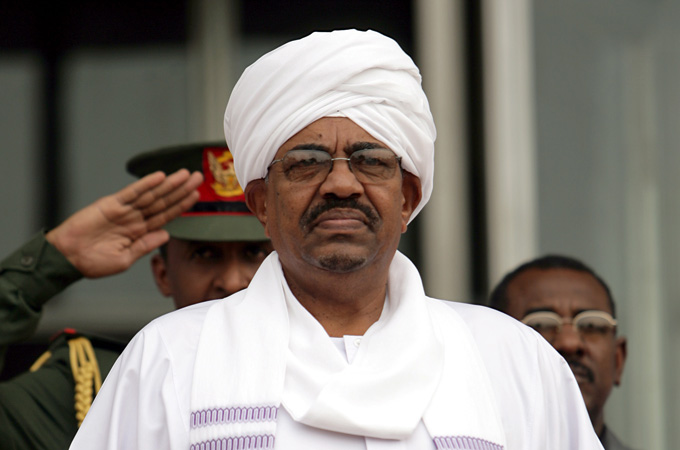Sudan Coup Leader Steps Fown A Day After Overthrowing President Omar al-Bashir 4