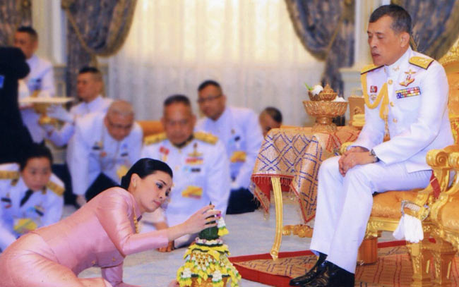 Thailand's King Maha Vajiralongkorn Crowned 3