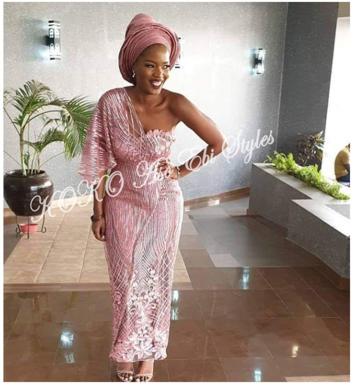 Five Aso-ebi Styles That Guarantee The Beautiful Slay You Have Been Looking For 1