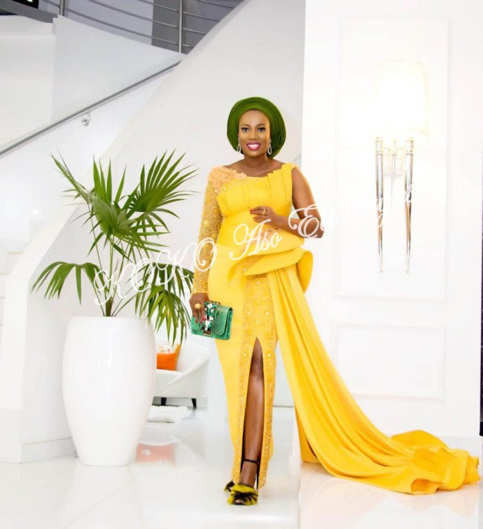 It's All About The Drapes! Five Super Stylish Aso-ebi Styles With Fantastic Drapes 3