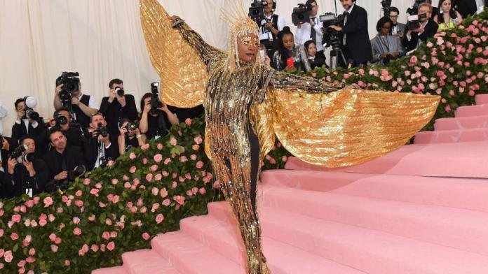 Egyptian Sun God! Billy Porter's Over The Top But Mind-blowing Met Gala Fashion Is The Talk Of The Town 4