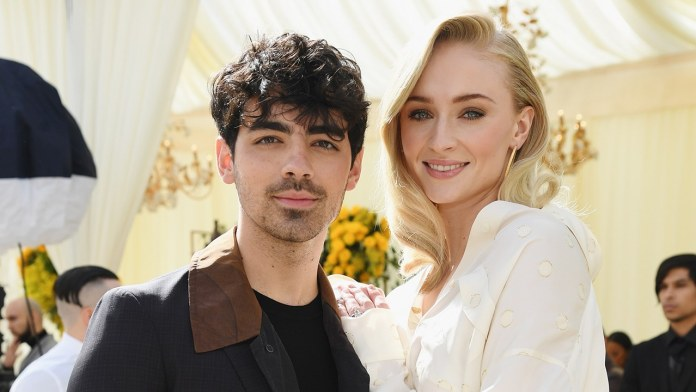 Joe Jonas And Sophie Turner Finally Walk Down The Aisle Together And It's Beautiful! 2