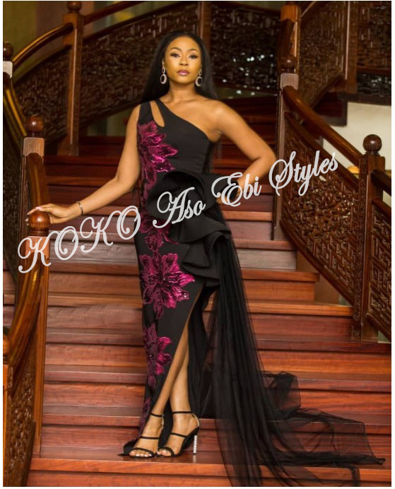 You Need To See These Five Exceptional And Highly Stylish Aso-ebi Styles 4