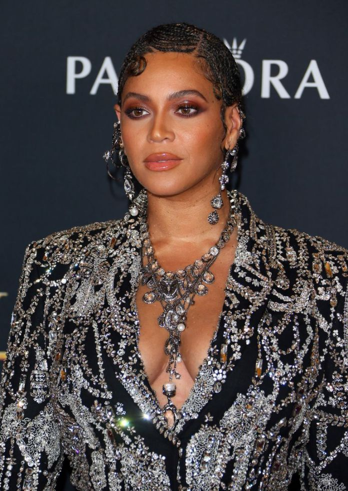 Beyonce And Blue Ivy Dominate Lion King World Premiere In Sparkling Co-ordinating Outfits 1