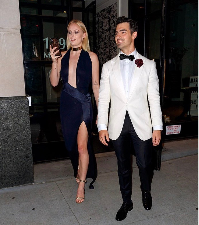 Priyanka And Nick Jonas Steps Out In Fab Black Style For Joe's James Bond Themed Birthday Party 3