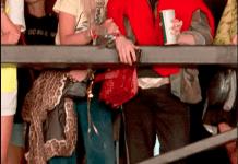 Rita Ora Rocks In 70s-inspired Ensemble For Reading Festival