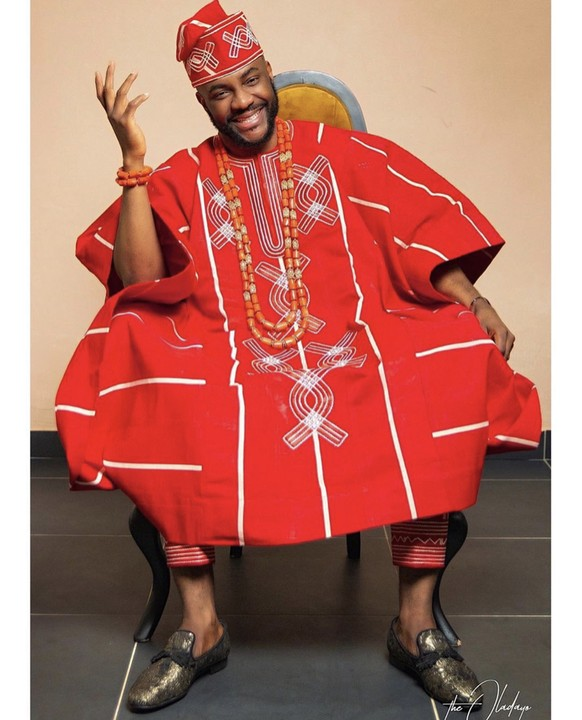 Ebuka Uchendu Just Set Tonight's BBNaija Eviction Show On 🔥🔥🔥 His Red Agbada 1