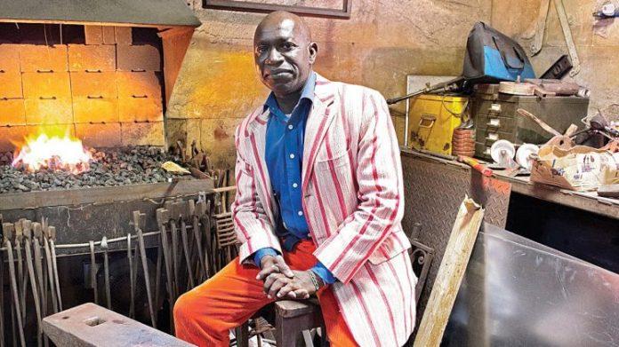 Sade Adu, Seal, Sikiru Adepoju And 2 Other Nigerians That Have Won The Grammy Awards 12