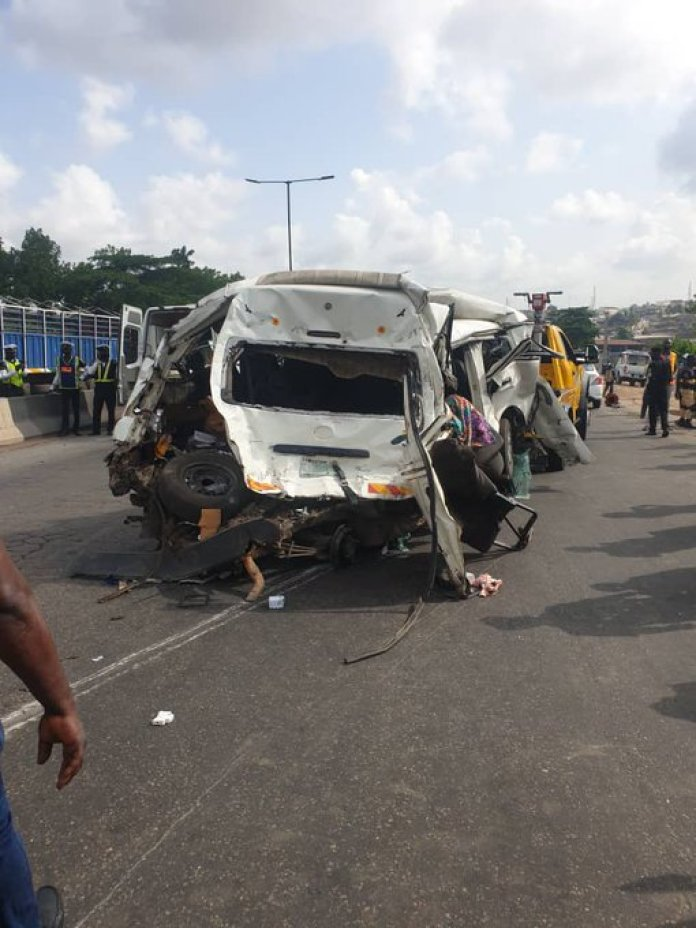 Again! Many Feared Injured As Truck Crash On Otedola Bridge